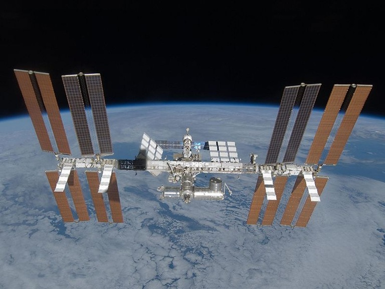 799px-ISS_March_2009