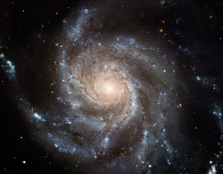M101_hires_STScI-PRC2006-10a_s